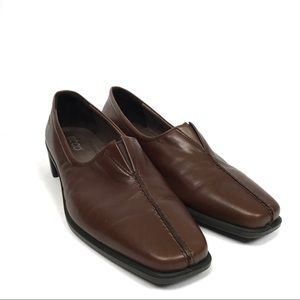 Ecco Brown leather slip on loafers 10